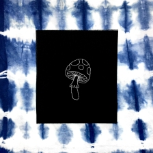 MUSHROOM PATCH BLACK